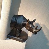 Boekensteun Rhinoceros Resin 30cm_