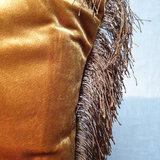 Cushion Velvet Fringe Gold 45x45_