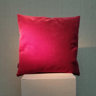 Cushion Velvet Gravity Wine Red 45x45