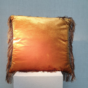 Cushion Velvet Fringe Gold 45x45